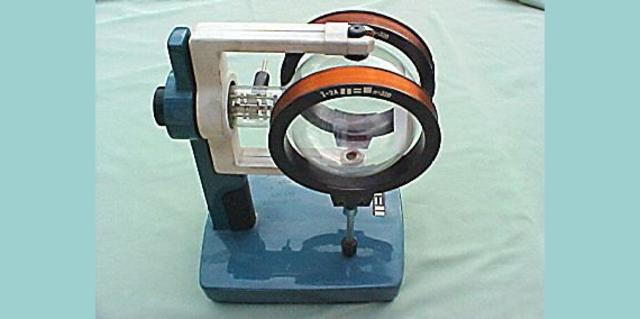 Bestimmung der spezifische Ladung am Fadenstrahlrohr