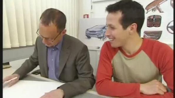 Willi bei einem Autobauer