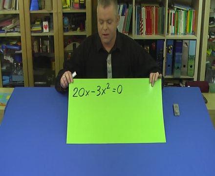 Quadratische Gleichungen durch Ausklammern lösen (2)