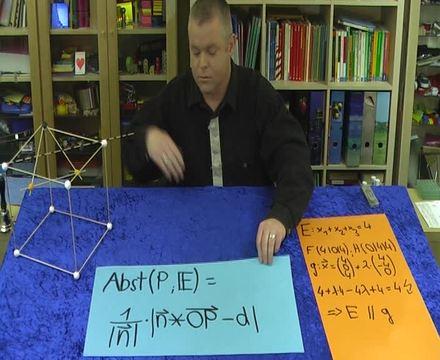 Abstand Gerade-Ebene – Aufgabe (2)